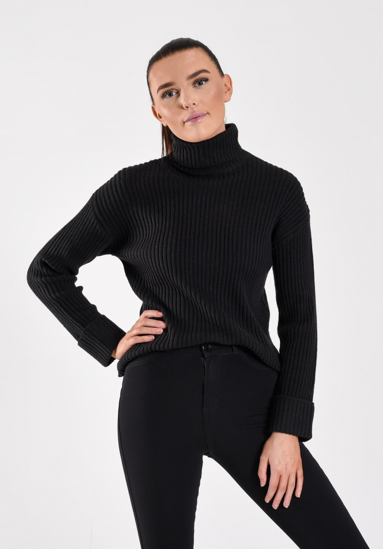 Chunky Knit Sweater - Black